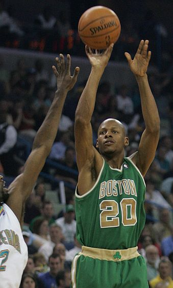 lajumbtarsproh ray allen shooting basketball